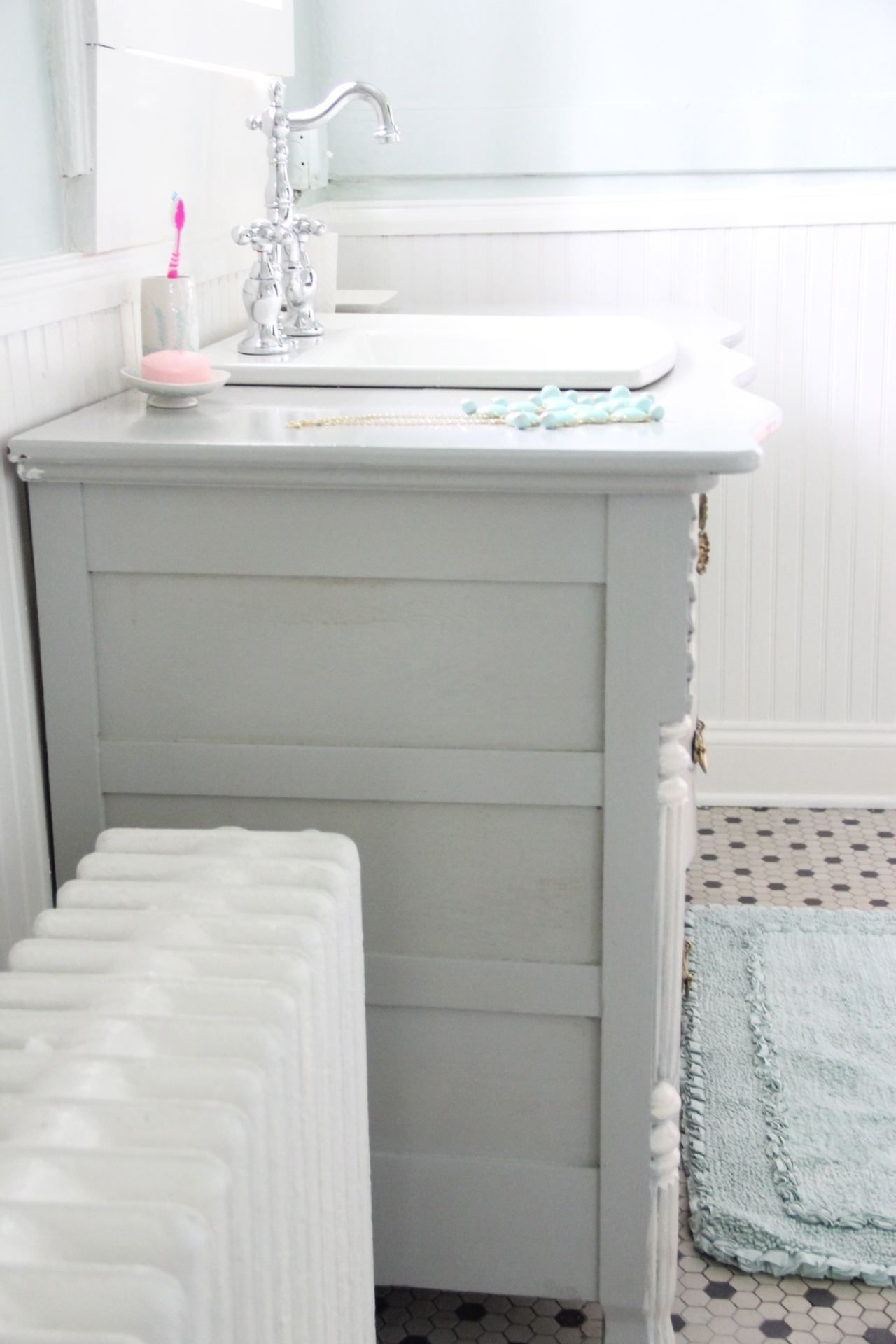 MONDAY MAKEOVER - Bowfront Dresser made into MASTER ...