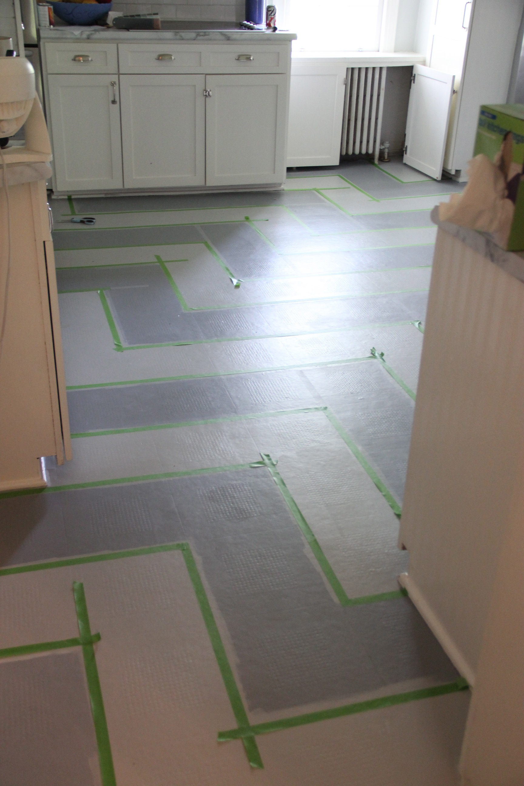 Vinyl Flooring For Kitchen Floors : Monday makeover painted vinyl kitchen floor