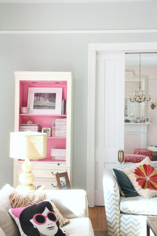 LIVING ROOM SEA SALT WIHT PARADISE INK PAINTED CABINET - MY OLD COUNTRY HOUSE