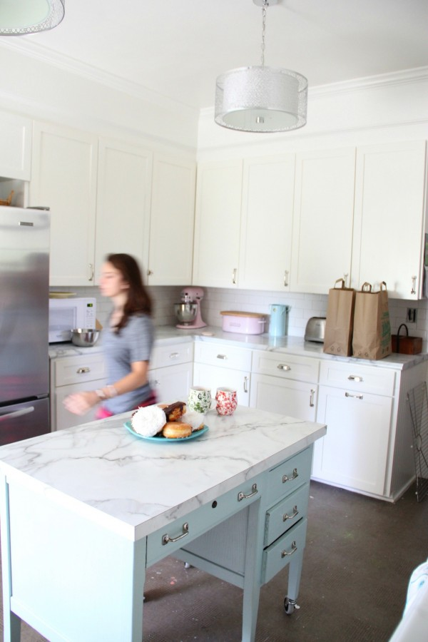 MY OLD COUNTRY HOUSE KITCHEN PAINTED MOUNTAIN PEAK WHITE
