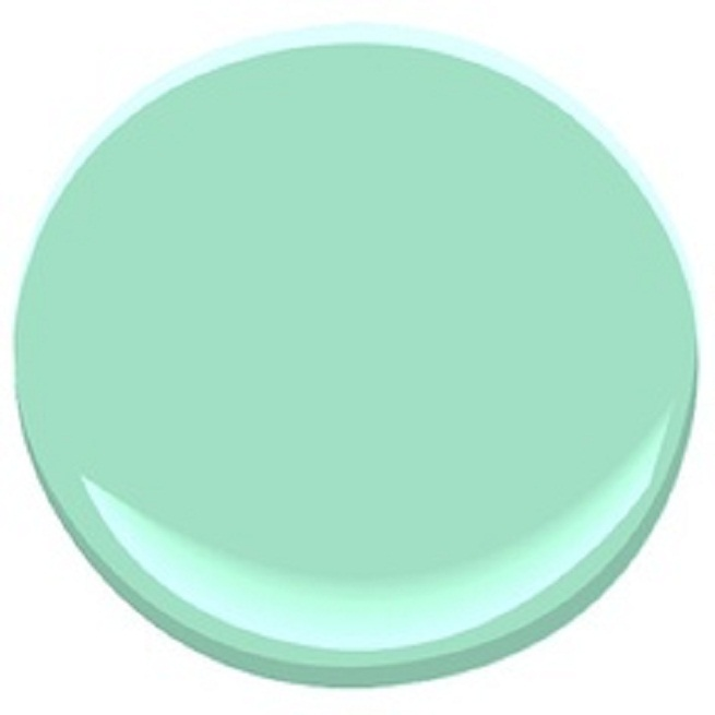 Loving spring mint Benjamin moore country green