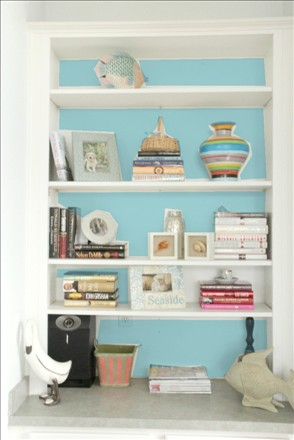 MONDAY MAKEOVER   Mc BEACH HOUSE BOOKSHELF
