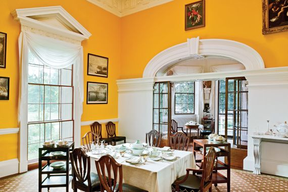 """THOMAS JEFFERSON'S MONTICELLO - THE DINING ROOMS WALL WERE REPAINTED """"CHROME YELLOW"""" IN 2010."""