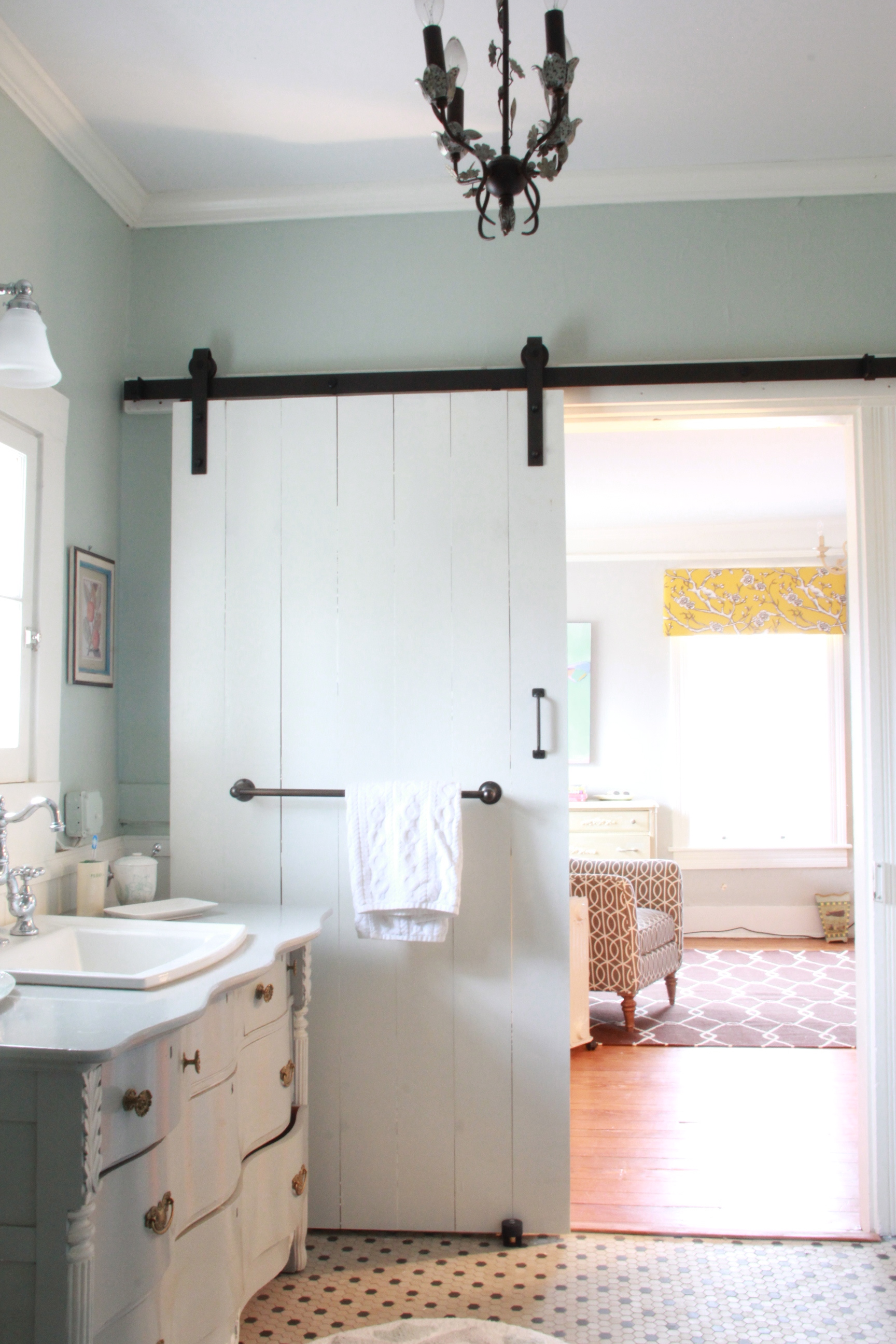 monday makeover new master bathroom sliding barn door. Black Bedroom Furniture Sets. Home Design Ideas