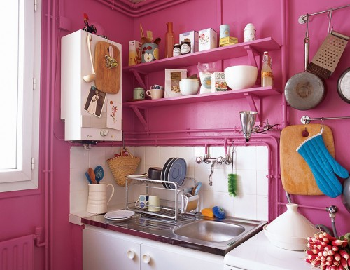 COLORFUL DECORATING FOR SMALL SPACES- DOMINO