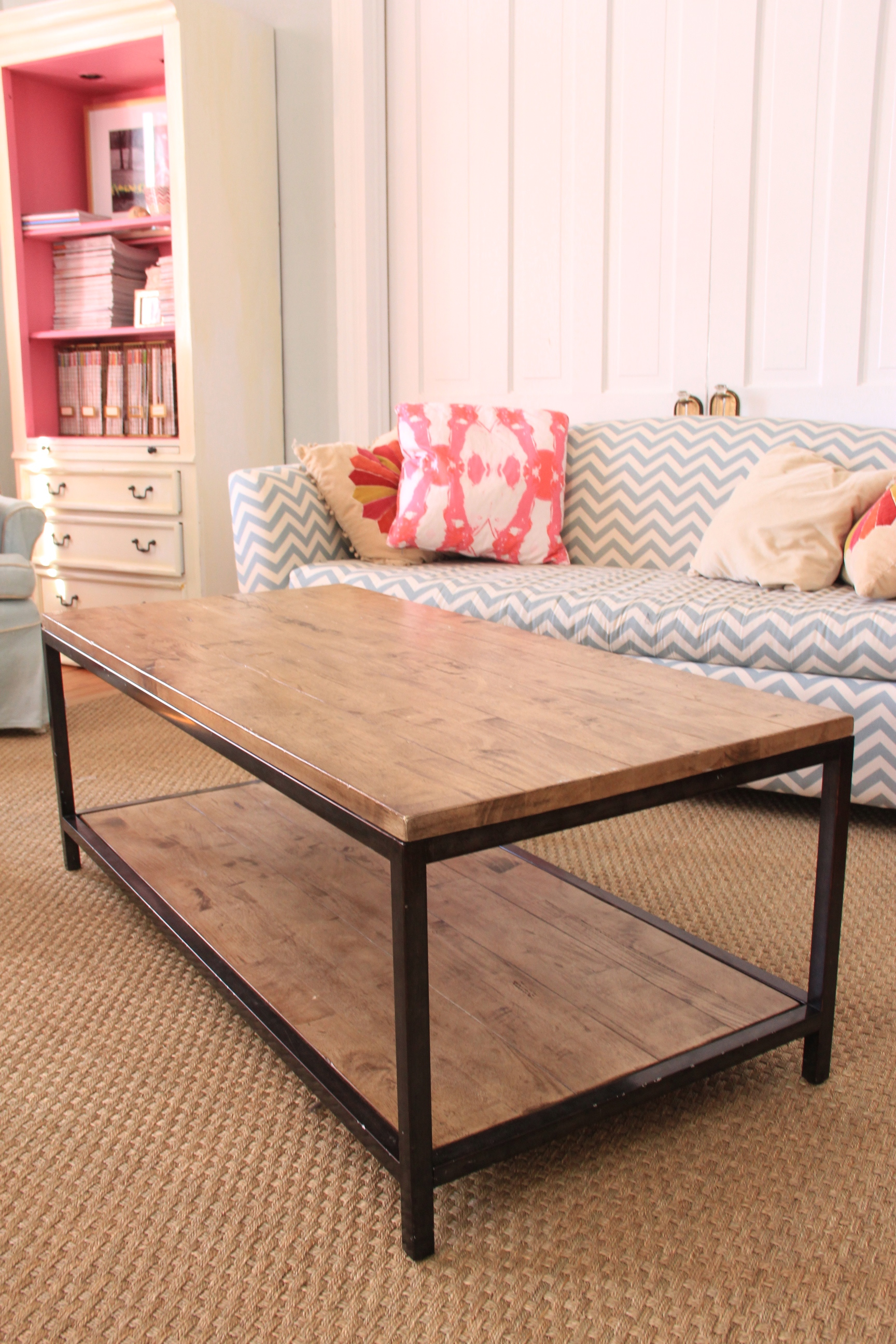 MONDAY MAKEOVER FAUX GOLD LEAF COFFEE TABLE –