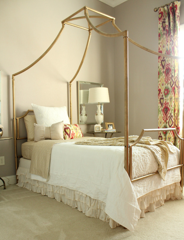 PRETTY PRACTICAL HOME - PAIGE'S BEDROOM