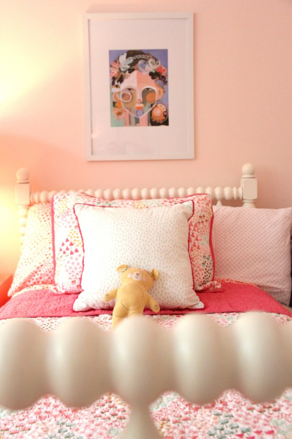 I CANNOT GET ENOUGH LAYERS ON BEDS. QUILTS, BLANKETS , AND THROWS GIVE YOUR CHILD LOTS OF COZY LAYERS TO SNUGGLE IN.