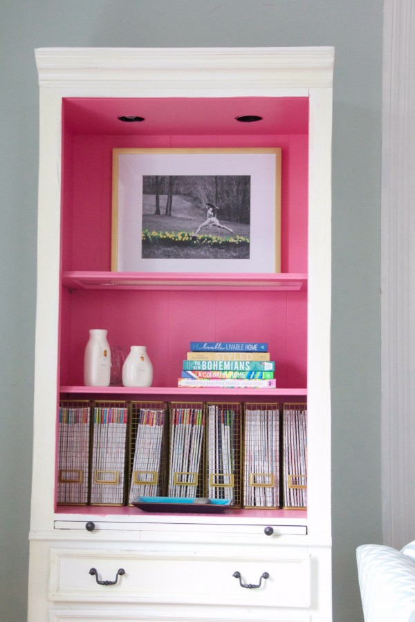 My cousin sent me a Facebook message showing me our pink bookcase in HGTV magazine!!! I haven't even seen it yet! Super exciting!