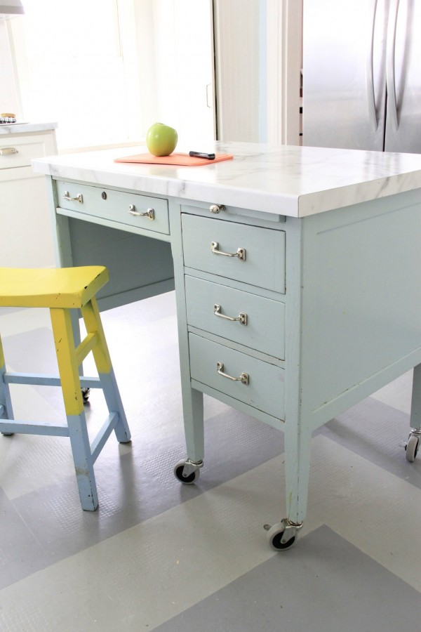 "MY DIY ""SCHOOL DESK"" KITCHEN ISLAND - painted Gossamer blue"