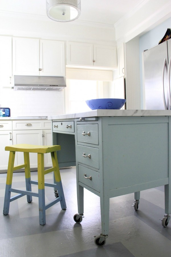 GOSSAMER BLUE ISLAND IN KITCHEN PAINTED MOUNTAIN PEAK WHITE