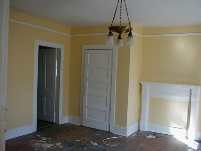 MASTER BEDROOM -BEFORE ( WE HAD PAINTED THE ROOM BEFORE I GOT A PHOTO)