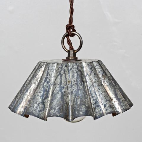 Tin Pendant Lg Barn Aged Patina