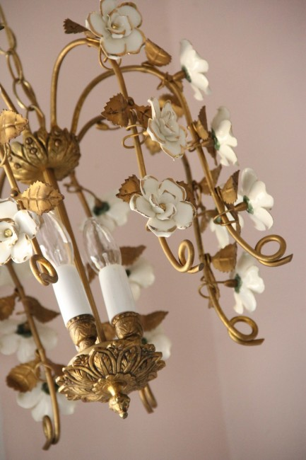 BRASS CHANDELIER WITH WHITE GOLD DIPPED PORCELAIN FLOWERS - THIS USED TO BE IN OUR MASTER BATHROOM BUT I REMOVED IT WHEN I THOUGHT WE WERE SELLING THE HOUSE - AS SOON AS WE LANDED ON PHOEBE'S COLOR SCHEME I KNEW THIS WOULD BE PERFECT!