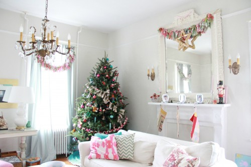 LIVING ROOM AND THE CHRISTMAS TREE