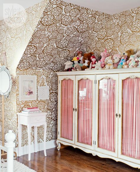 THIS LARGE CABINET IS THE ANCHOR IN 8 YEAR OLD SCARLETT'S BEDROOM  MAKEOVER -