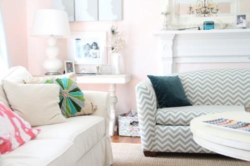 PINK CLOUD LIVING ROOM