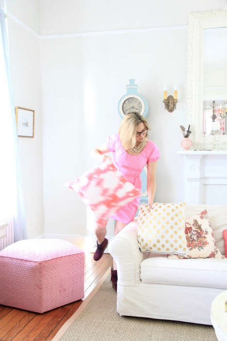DECORATE WITH PINK PILLOWS FOR A POP OF HAPPY!