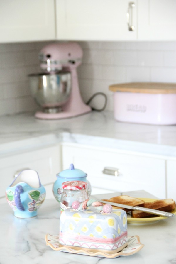 PINK KITCHENAID MIXER AND BREAD BOX
