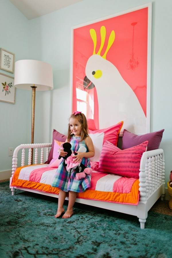 6TH STREET DESIGN SCHOOL - JANES NEW ROOM - ARE YOU DYING!!! THAT BIRD!!! AND THAT LITTTLE GIRL!!