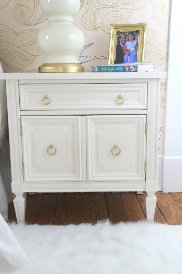 BEDSIDE TABLE PAINTED FRANKLIN WHITE FROM THE BENJAMIN MOORE WILLIAMSBURG COLLECTION