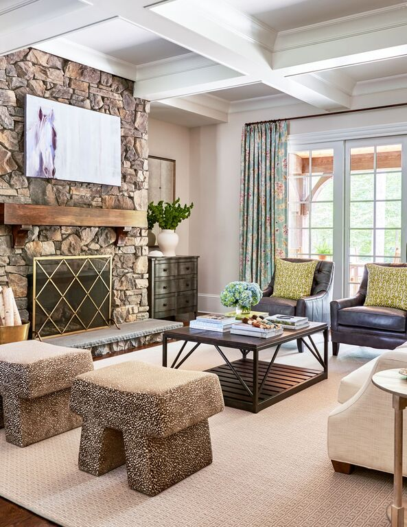 TRACI ZELLAR SHOWHOUSE CHARLOTTE HOME MAGAZINE (DUSTIN PECK PHOTOGRAPHY) THE LIVING ROOM
