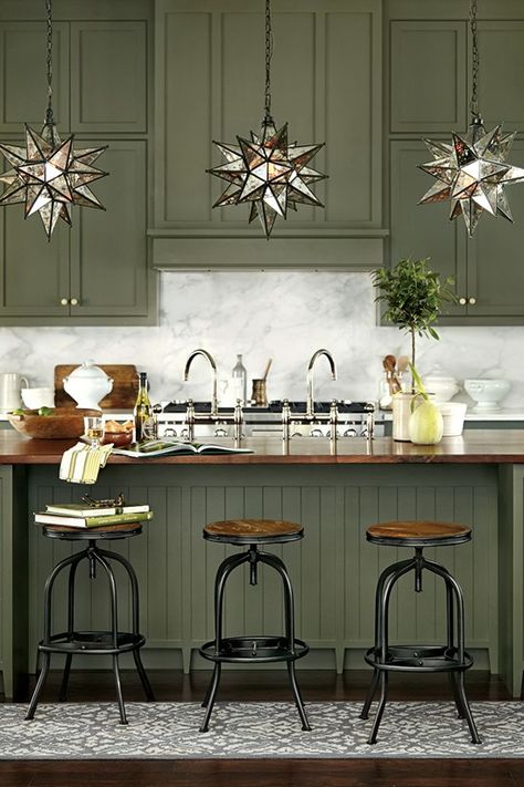 DEEP GREEN KITCHEN - LOVE!