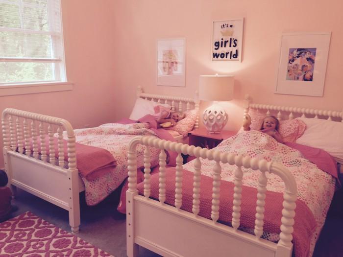 THE GIRLS LOVE WHEIR NEW SHARED ROOM!
