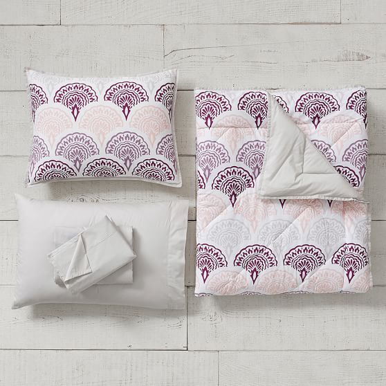 PB TEEN FEATHER SCALLOP ESSENTIAL DORM SET