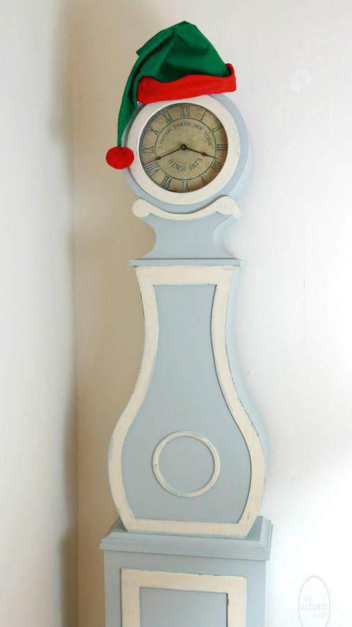 CLOCK SANTA