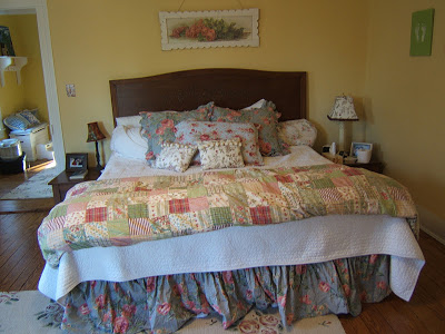 MASTER BEDROOM - SHABBY - PAINTED COWSLIP