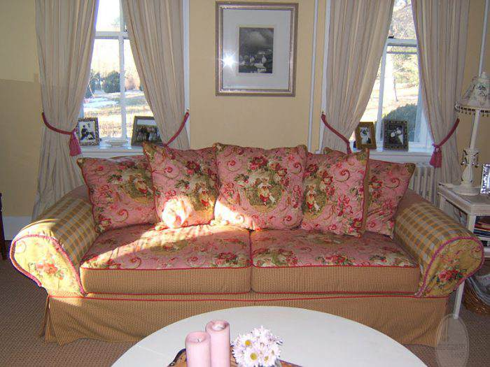 LIVING ROOM. MY PINK TOILE FLORAL PATCHWORK SOFA! GLAM!!!