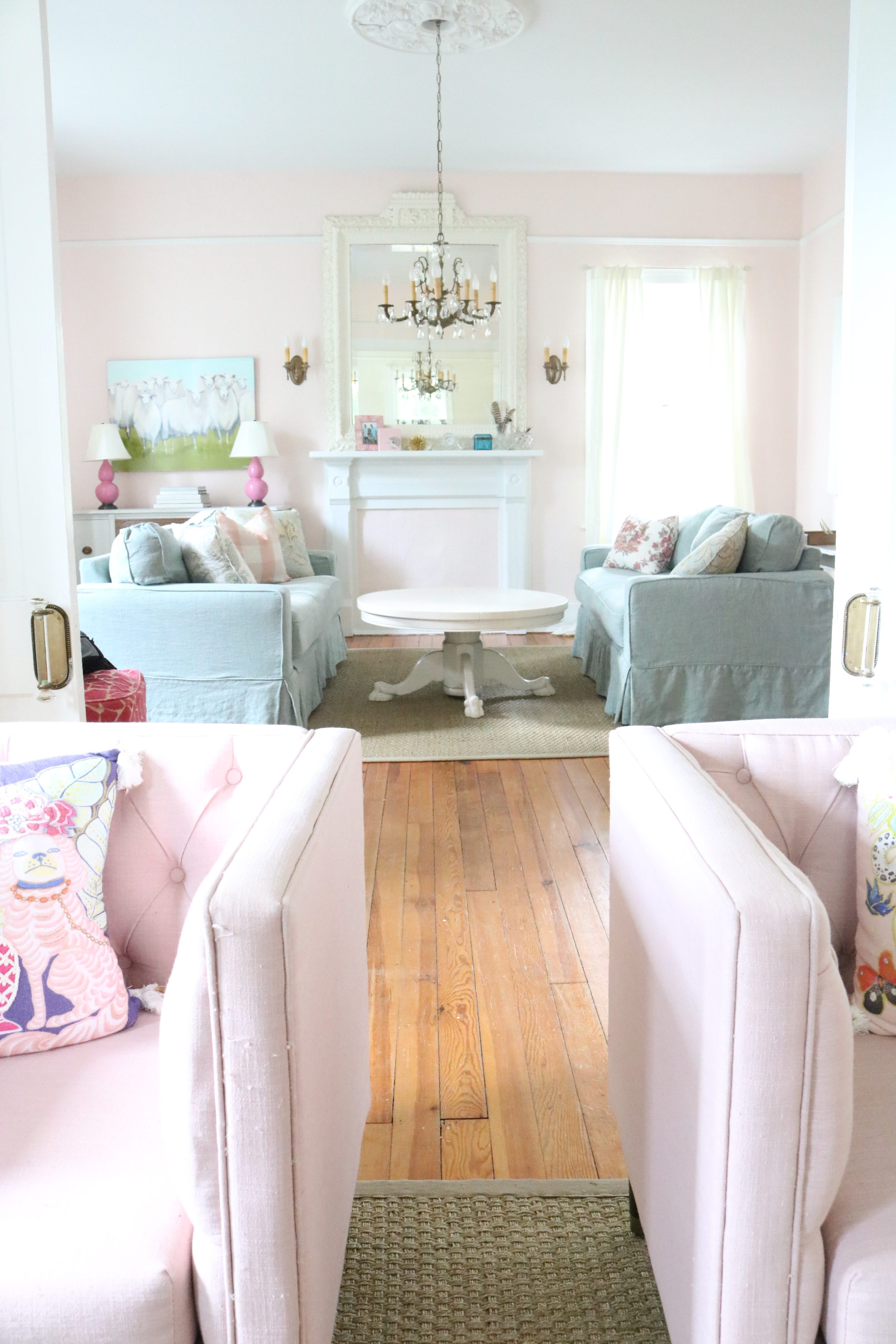 THE RETURN OF THE PINK LIVING ROOM –